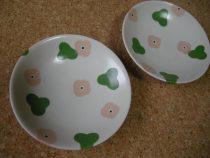 ほわほわ花の皿